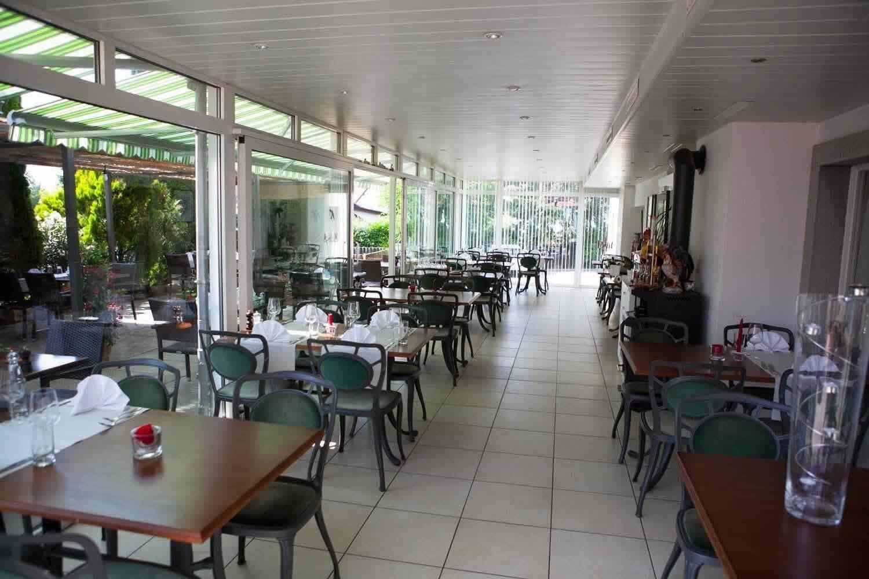Wintergarten Restaurant Hirschen Oberwil-LIeli